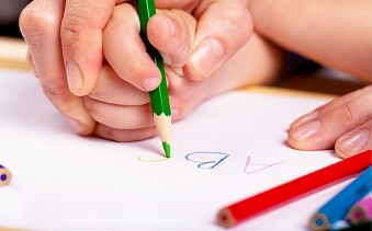 Assist early handwriting development - Top 14 guidelines for teaching kids to write