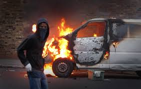 london riots twitter
