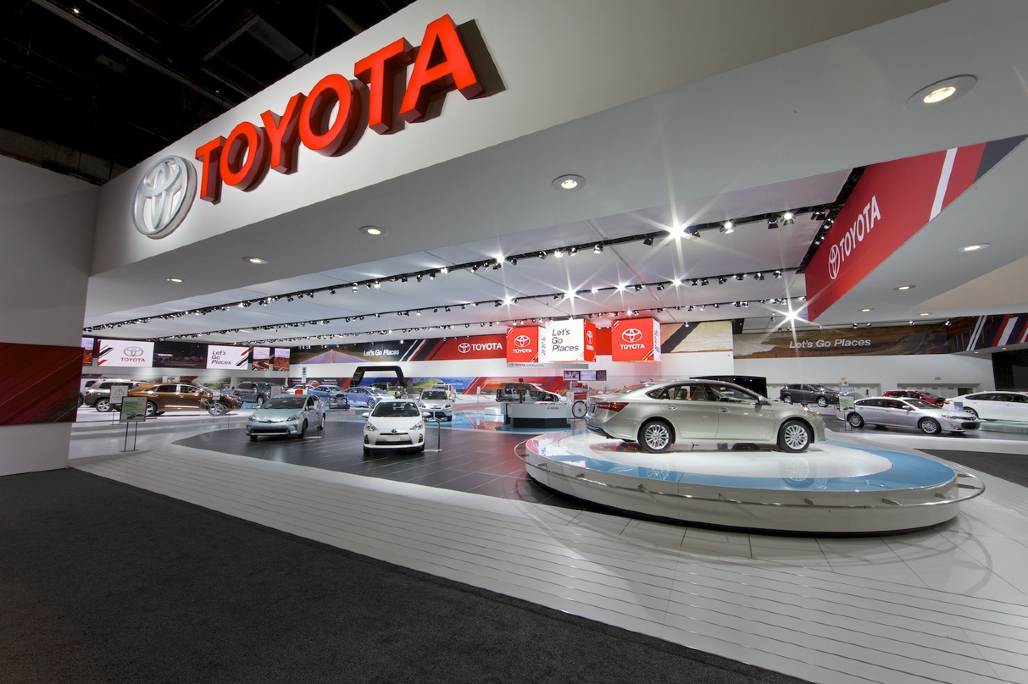 toyota motors Bienvenido and welcome to kendall toyota, miami's toyota car dealership buy your toyota online or visit us today sales, service and parts are open 7 days.